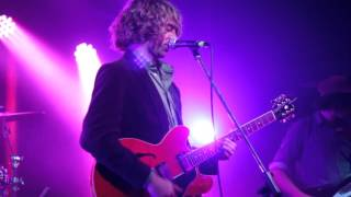 supergrass in it for the money side a performed live by the mansize roosters 2015 01 29