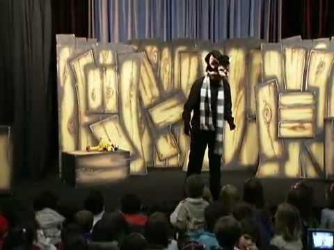 Cia Polichinelo no Festival de Teatro de Bonecos