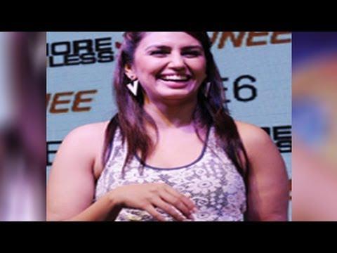 Huma Qureshi SHOCKING FAT ARMS