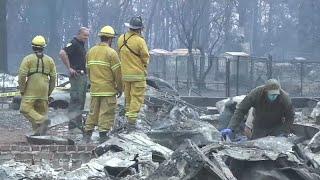 شاهد: الحرائق تشتعل في كاليفورنيا.. و 228 في عداد المفقودين…