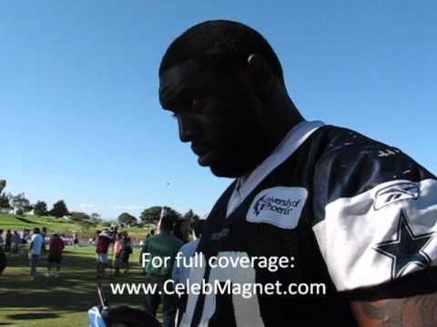 Dallas Cowboys Camp- - Jay Ratliff signs autographs - Oxnard, CA