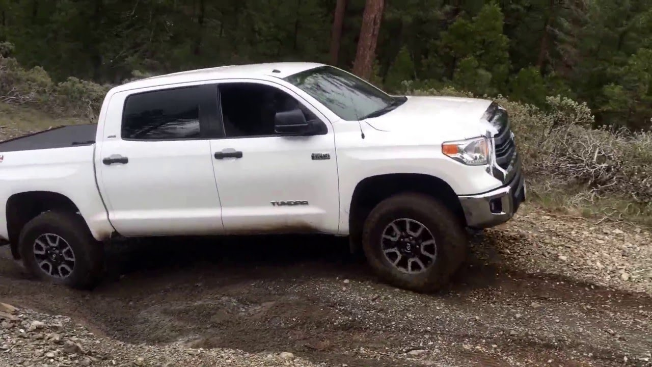 2015 toyota tundra trd off road quick review youtube. Black Bedroom Furniture Sets. Home Design Ideas