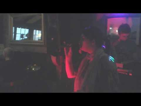 ME SINGING CHASING PAVEMENTS IN THE SHIP INN IN EXETER