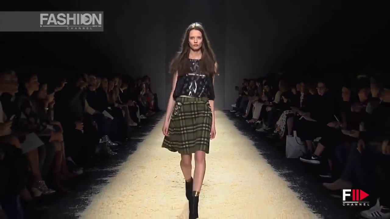 pretty nice b2182 f43f8 KRISTINA TI Milan Fashion Week Fall 2015 by Fashion Channel