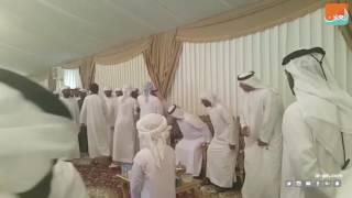 بالفيديو.. حاكم رأس الخيمة يقدم واجب العزاء في الشهيد زكريا الزعابي