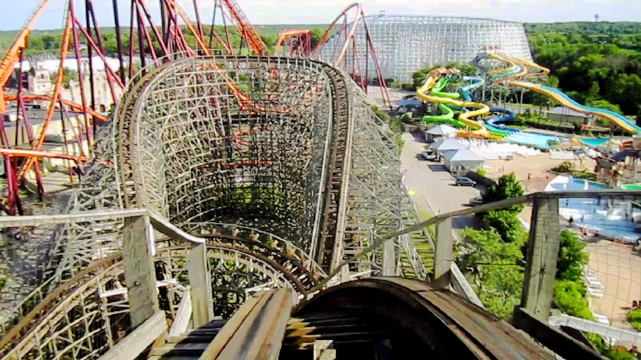 Batman The Ride Six Flags Great America Gurnee Il Inverted Roller Coaster Batman The Ride Begins With A Curved Dro Great America Roller Coaster Thrill Ride