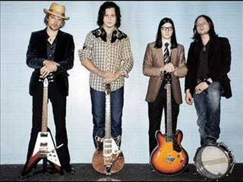 The Raconteurs - Steady As She Goes (acoustic)