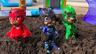 Pj Masks Playing With MUD ❤ Superhero Pj Masks play with mud and wash clean / Pj Masks Wrong Heads