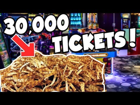 I WON 30,000 TICKETS FROM THE ARCADE!!!
