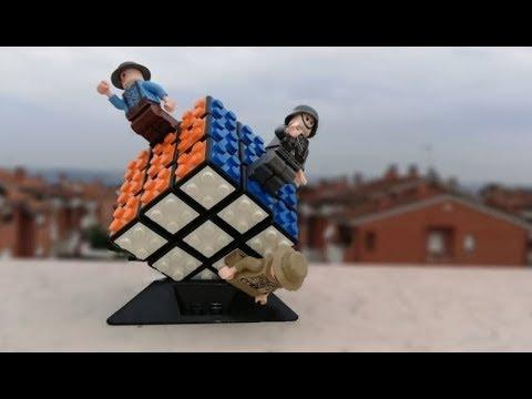 IL Cubo Di Rubik Fatto Di Mattoncini