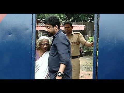 Dileep's mother visits him in Aluva sub jail   Mathrubhumi News