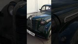 Москвич 401, год выпуска 1954.  Ретро автомобили города Барнаула.