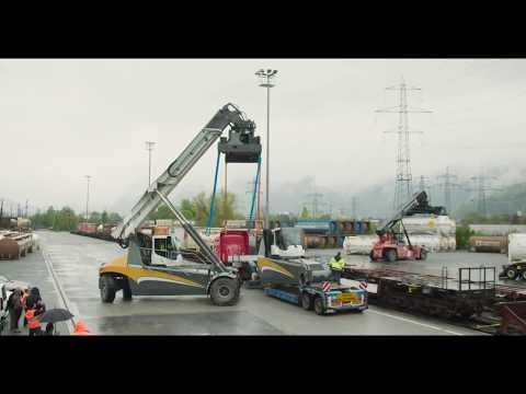Liebherr - Reachstacker LRS 545: Rail Transportation