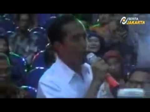 Jokowi Menyanyikan lagu