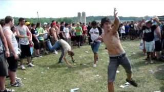 hardcore dancing at warped tour