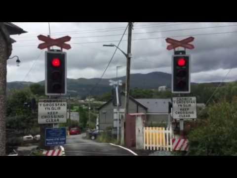 The return to Quarry lane level crossing