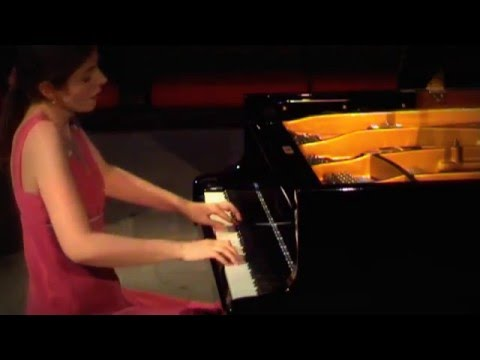 Catherine Leonard - (Sarabande) J.S. Bach English Suite No 2 in A Minor