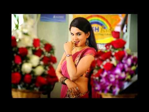 Telugu Actress Kavya Singh Hot Saree Photos