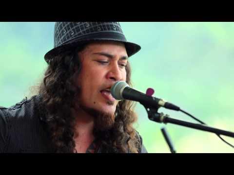 Tavana - Hawai'i '78 (HiSessions.com Acoustic Live!)