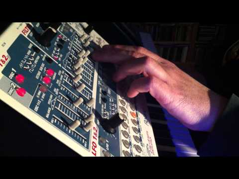 Twiddling with the Roland SH-32