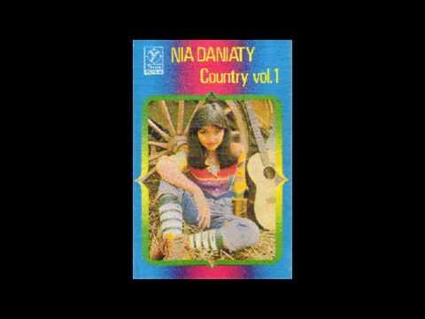 Nia Daniaty - Jangan Berkata Cinta