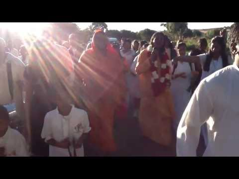 harinam-sankirtan-with-paramahamsa-vishwananda
