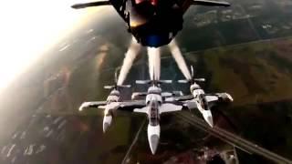 En la cabina de un avión caza militar.mp4