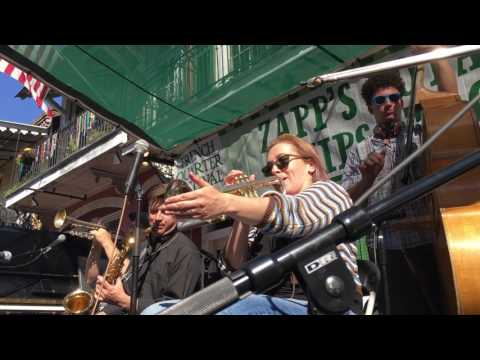 """Down By the Riverside"" Shotgun Jazz Band FQF 2017"