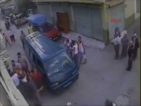 Dayak Yemek İçin Balkondan Atlayan Adam - Sokak Dövüşleri !
