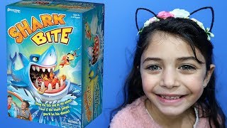 Kids play Shark board games ! Family game night with HZHtube Kids Fun