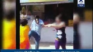 Delhi: Mother and daughter badly beaten by family in the middle of road