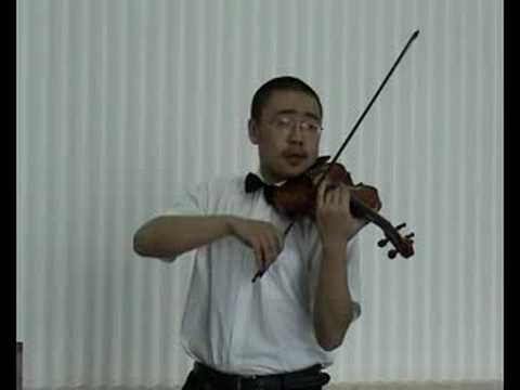 Beijing Violinist play a Chinese Traditional Violin Piece!