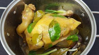 Cách luộc gà không cần nước da vàng giòn ngon tuyệt