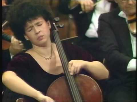 Xenia Jankovic plays Schumann cello concerto 1st mvt part1