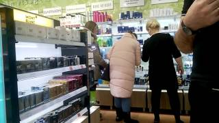 Летуаль не признает собственный товар - парфюм(Третья часть видео о том как я купил поддельные духи в магазине летуаль. Ссылка на предысторию https://www.youtube.com/..., 2017-01-27T17:20:27.000Z)