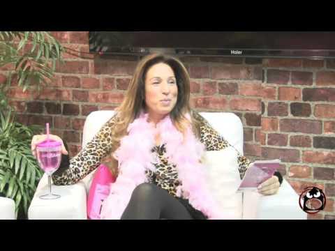 Date Night with Connie & Chrissy HALLOWEEN SHOW | Feng Shui Expert, Maureen Calamia 10-30-15