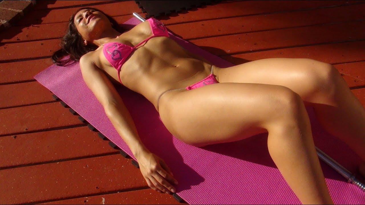 Girl's Home Bikini Abdominal Workout!