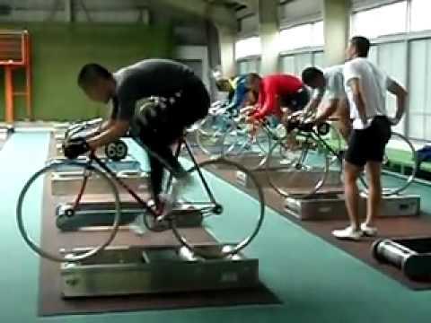 Экстремально быстрые ноги у велосипедистов