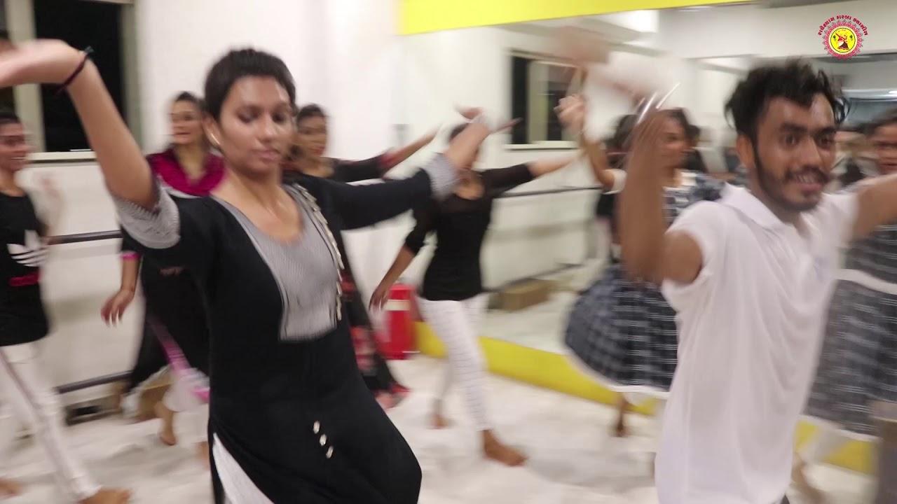 KESARIYO | POWER GARBA FITNESS | GARBA SONG |  #RADHESHYAMGARBA01  | BLACK & WHITE DAY I