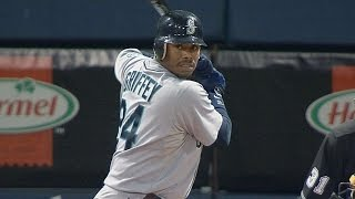 Griffey record-tying home run