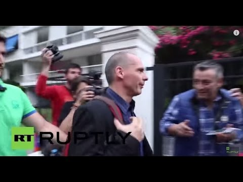 Greece: Ministers arrive for emergency talks after decision to close banks