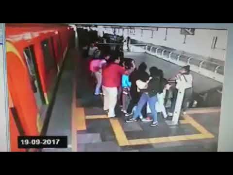 IMPRESIONANTE video en el METRO | TERREMOTO 7.1 CDMX, MÉXICO (19 de septiembre 2017)