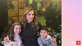 الملكة رانيا تلعب مع الأطفال في متحفهم (فيديو وصور)