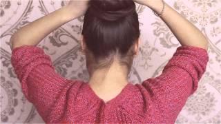 видео Как с помощью бублика сделать пучок