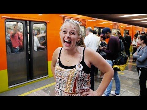 🇲🇽 Mexico City Tour! - Travel Couple VLOG #324
