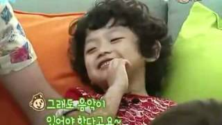 [ENG SUB]EunHyuK with kid dance BAD BOY by Rain
