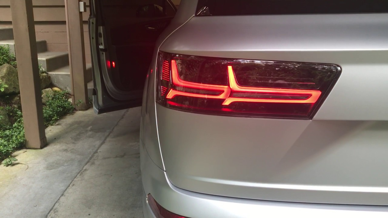 2017 Audi Q7 with dynamic blackline tail lights - YouTube