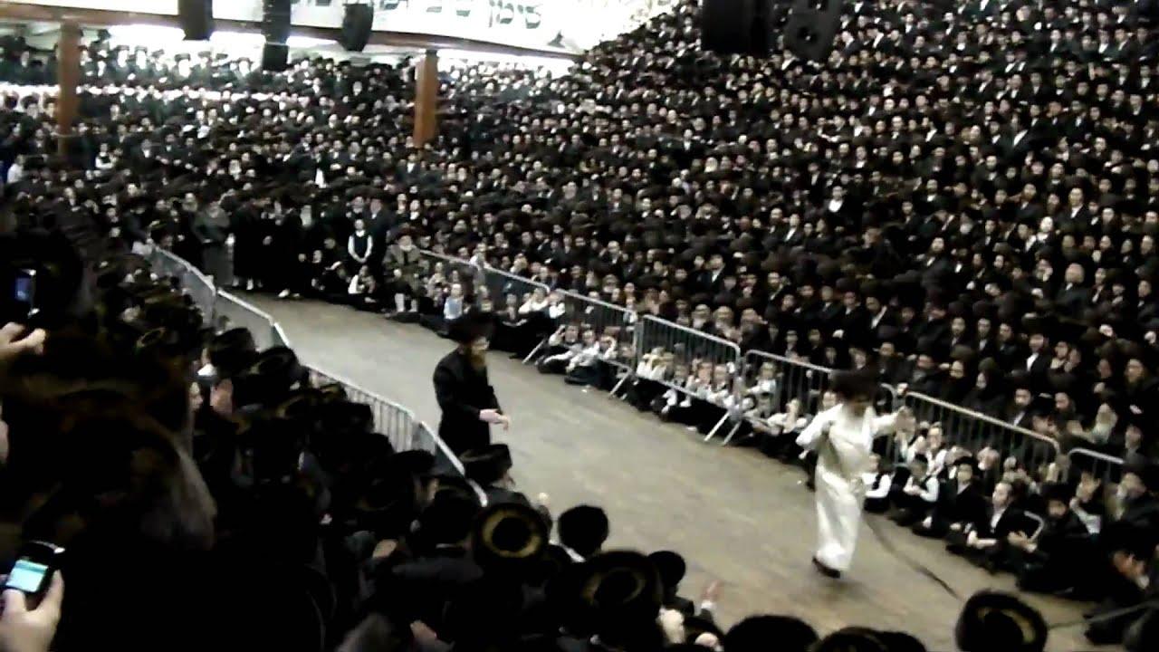 Satmar Rebbe - Mitzvah Tantz