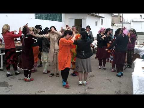 Dancing Navrus Silk Road Organic Foods Taylak Uzbekistan Part 2 04   2011