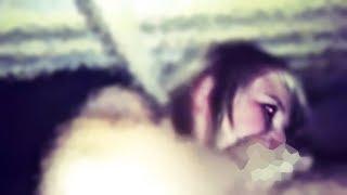 Sie versteckte sich unterm Bett um ihren Mann auszuspionieren, was dann geschah hätte sie nie erwart